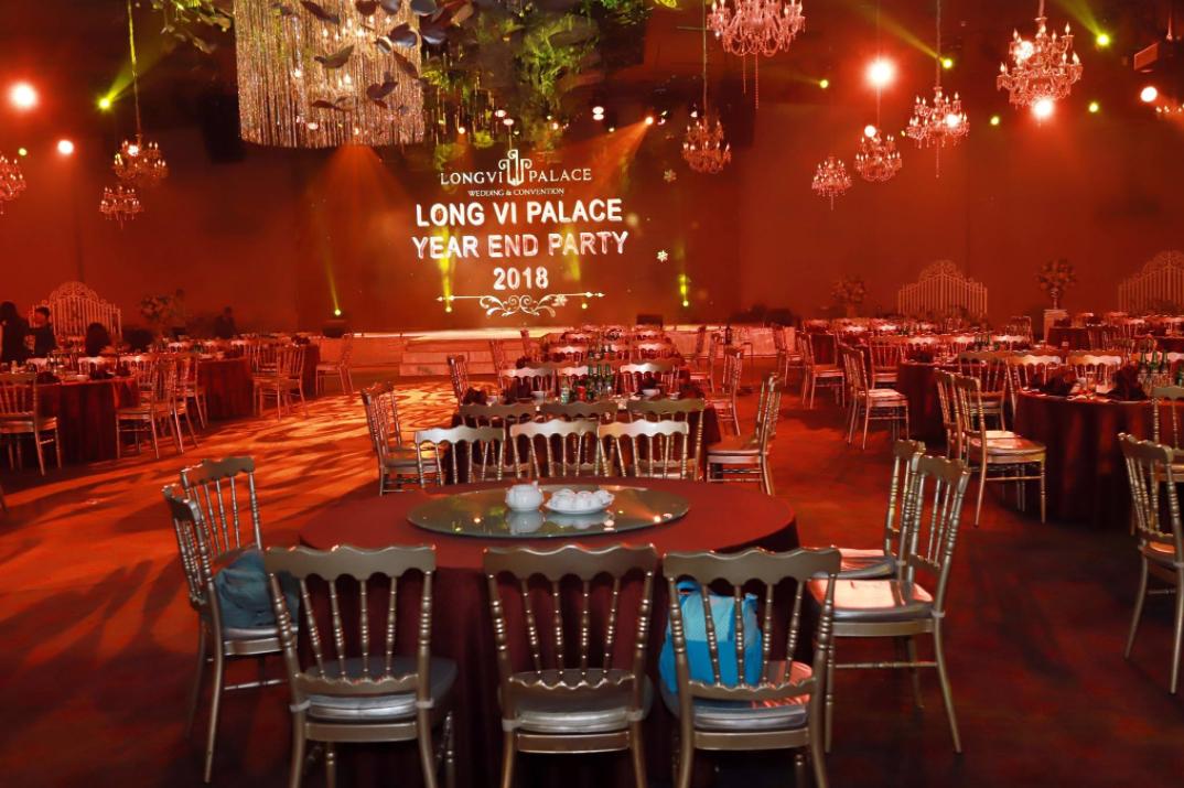 Địa điểm tổ chức year and party 1