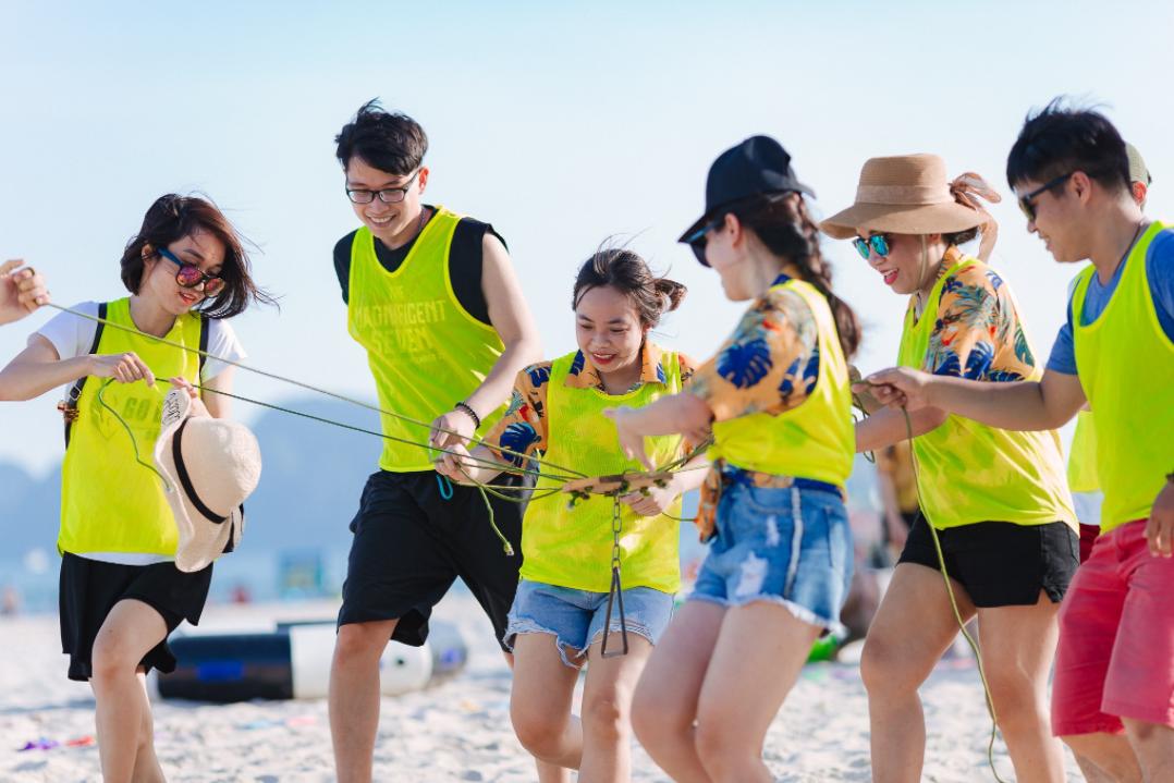 Trò chơi team building bãi biển 3