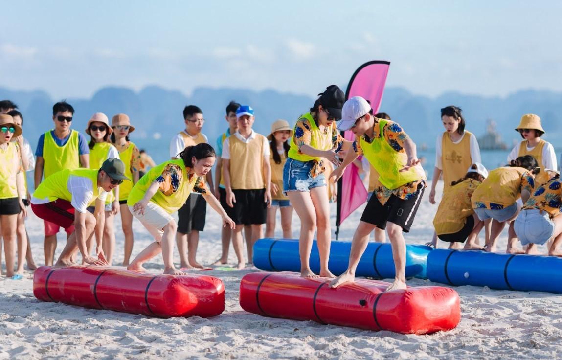 Kịch bản tổ chức team building bãi biển