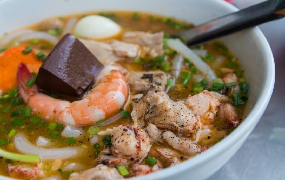 Ăn gì khi đi du lịch Hồ Chí Minh