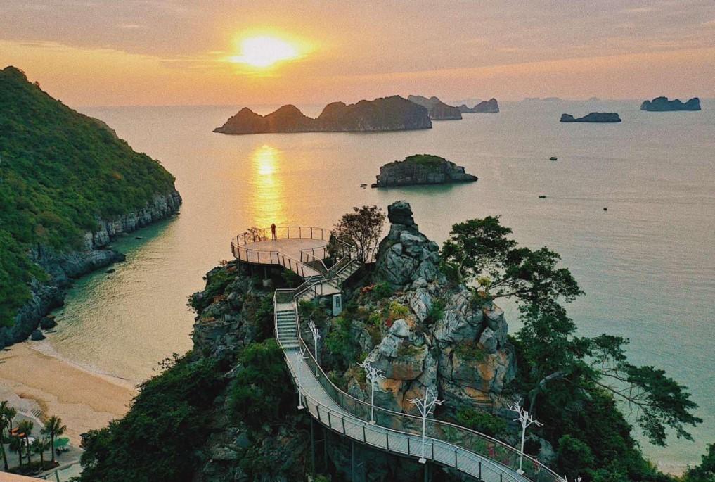 Top khách sạn Cát Bà gần biển tôt nhất 2021