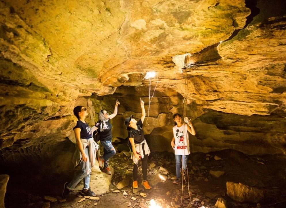Du lịch động Hương Mộc Sơn