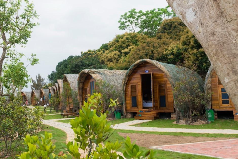 Nhà nghỉ khách sạn trên đảo Cô Tô