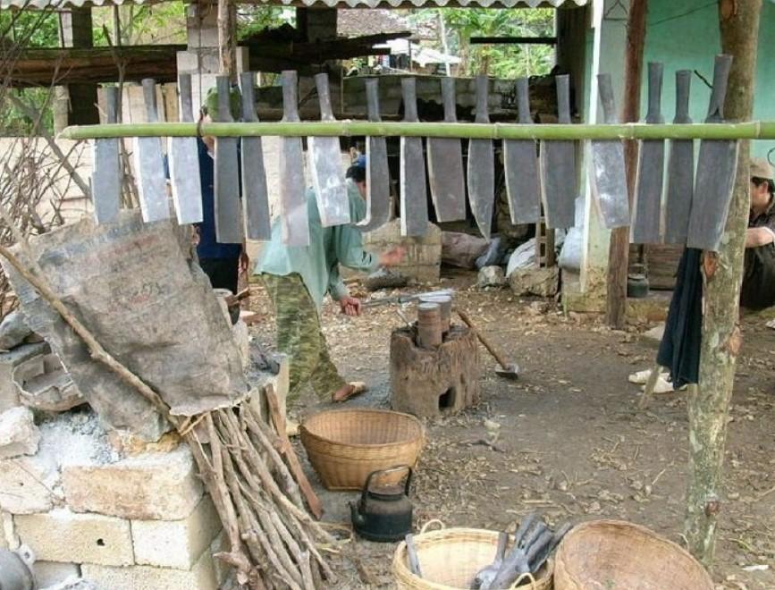 Du lịch Cao Bằng khám phá làng rèn Phúc Sen 1