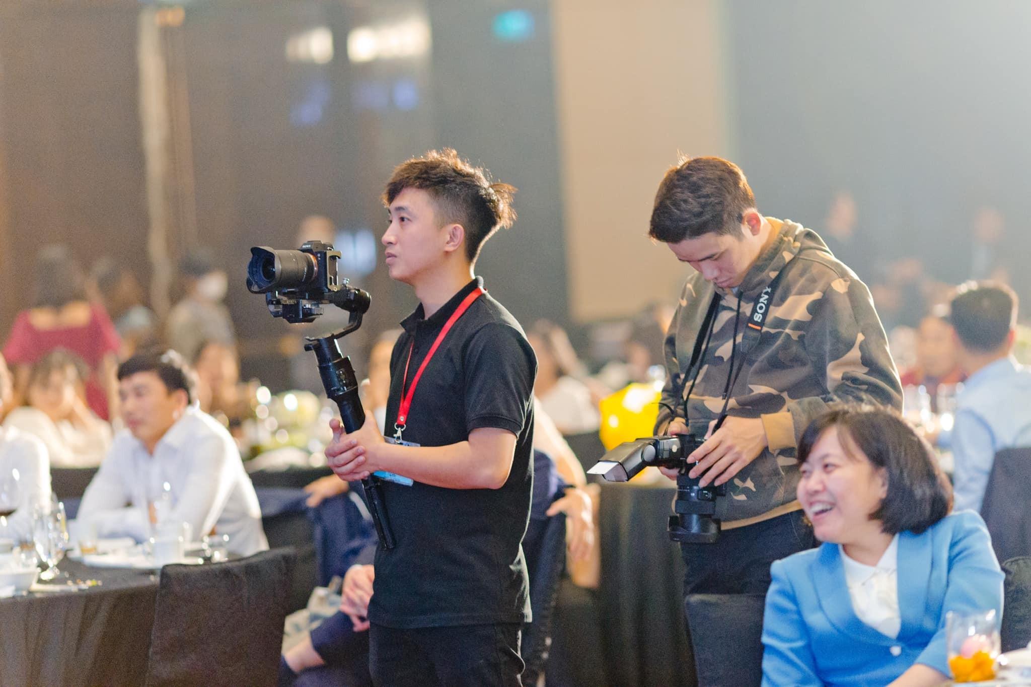 Bảng giá quay phim sự kiện chuyên nghiệp tại Luxtour 5