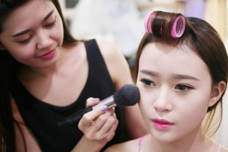 nhân sự trang điểm - make up sự kiện 3