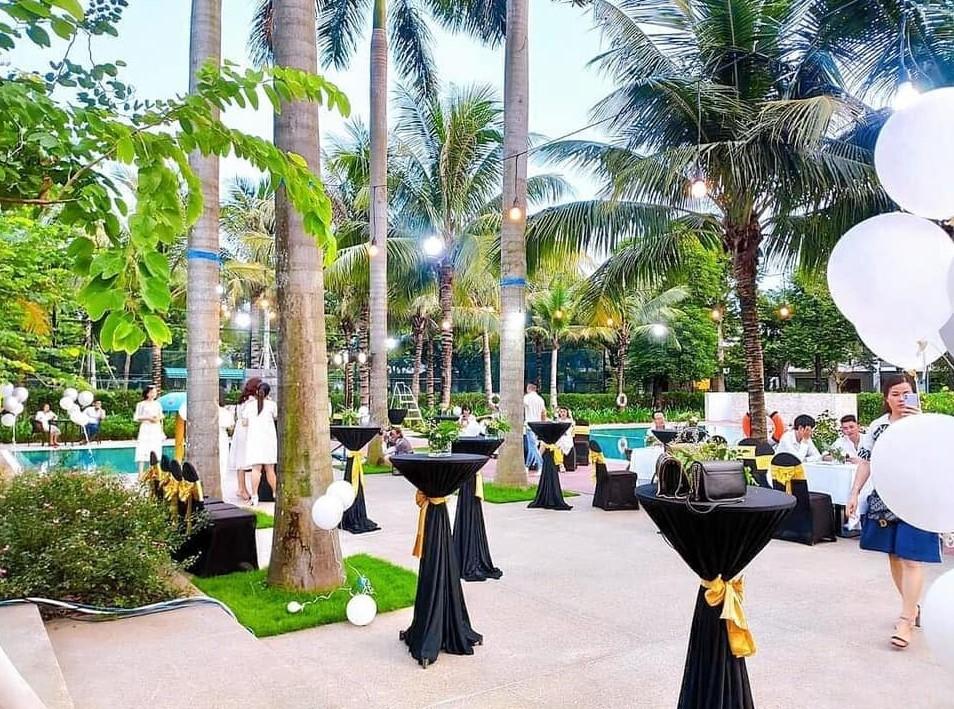 Cho thuê bàn ghế sự kiện - Luxtour 3
