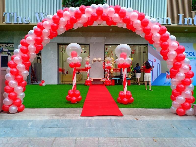 Cho thuê cổng bong bóng sự kiện - Luxtour 1