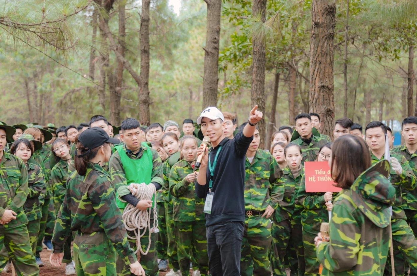 Cho thuê quần áo quân đội Việt Nam - Luxtour 6