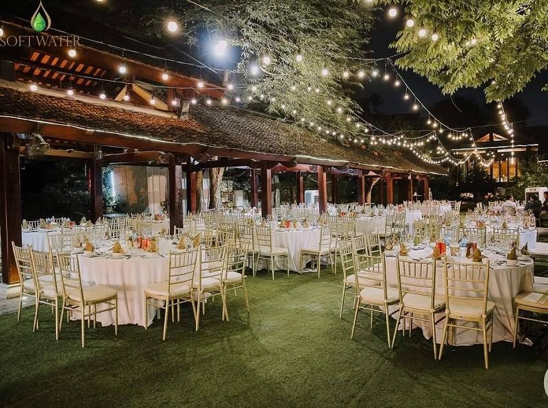 Địa điểm tổ chức gala dinner ngoài trời - Luxtour 16