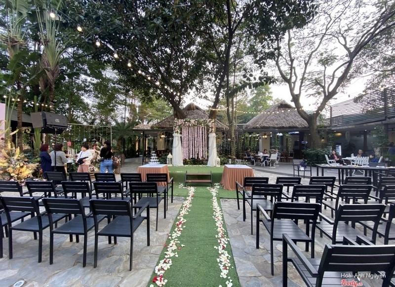 Địa điểm tổ chức gala dinner ngoài trời - Luxtour 3