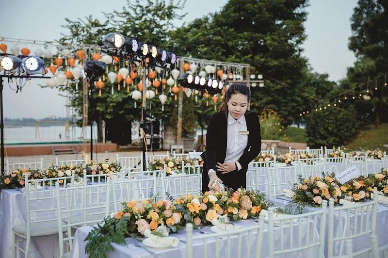 Địa điểm tổ chức gala dinner ngoài trời - Luxtour 9