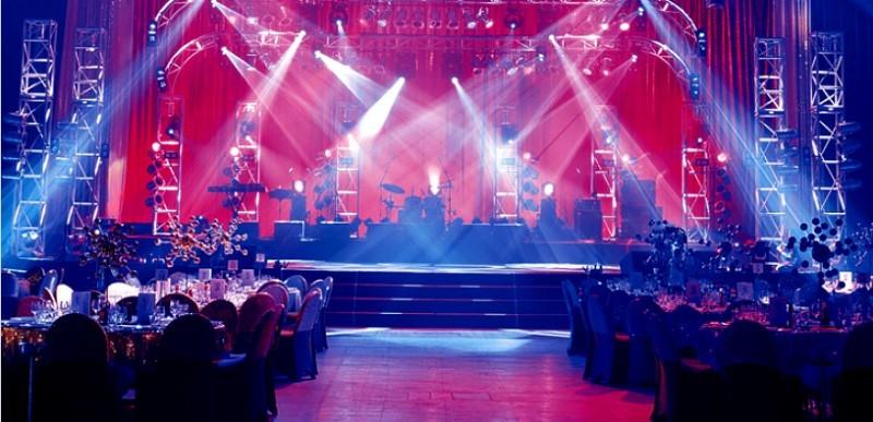Thiết kế sân khấu sự kiện - Luxtour 10