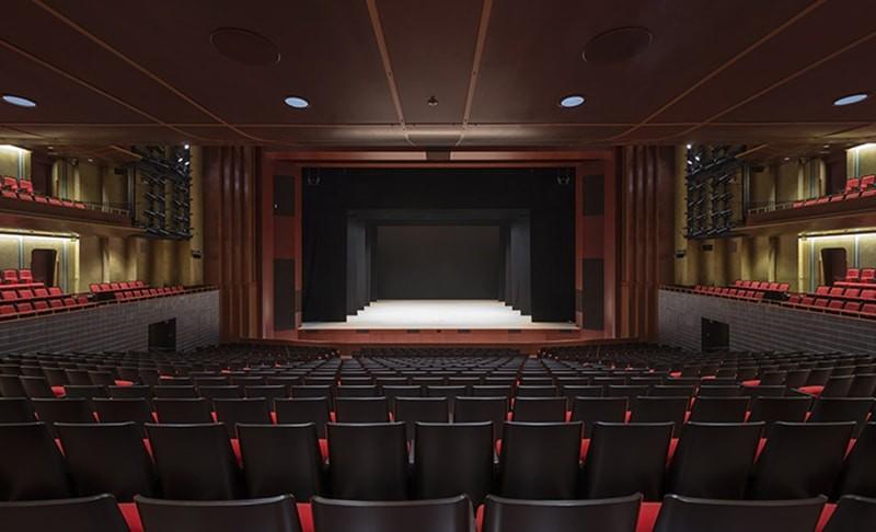 Thiết kế sân khấu sự kiện - Luxtour 5