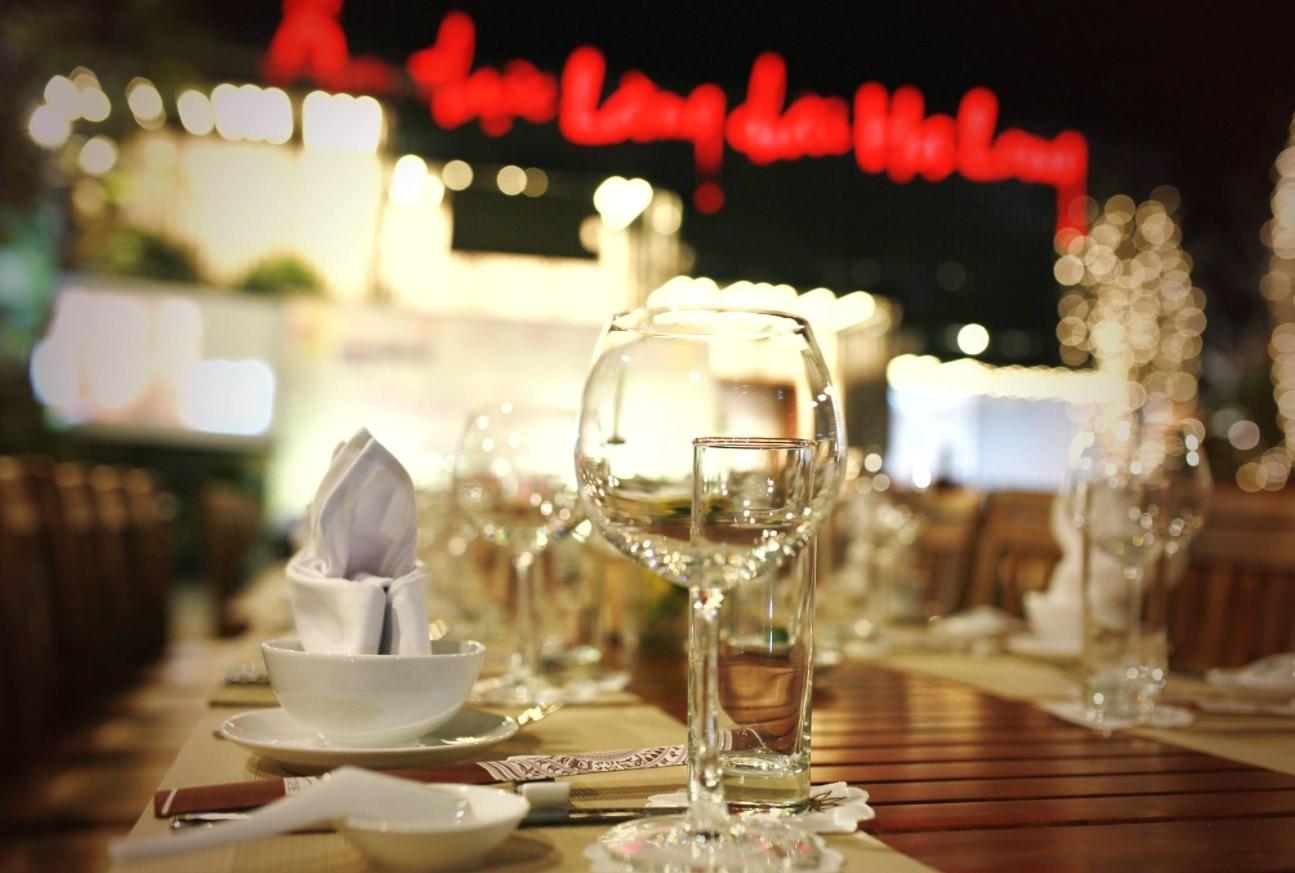Top 15 nhà hàng tại Hạ Long - Luxtour 9