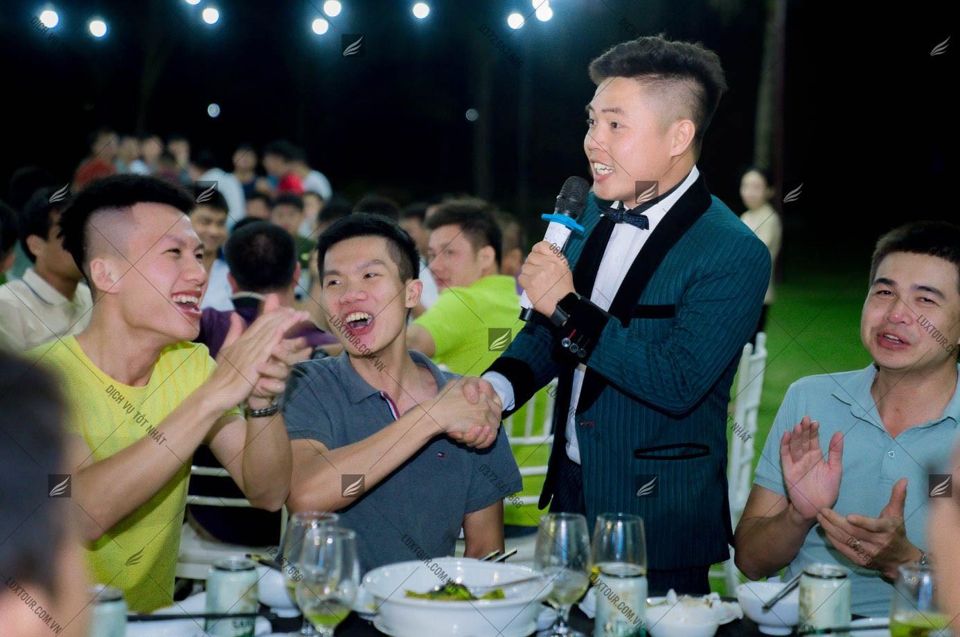 ý tưởng tổ chức Gala Dinner - Luxtour 5